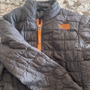North Face Primaloft (DOWN alternative)